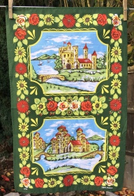 Roses and Castles: 2018. To read this story www.myteatowels.wordpress.com/2018/10/20/ros