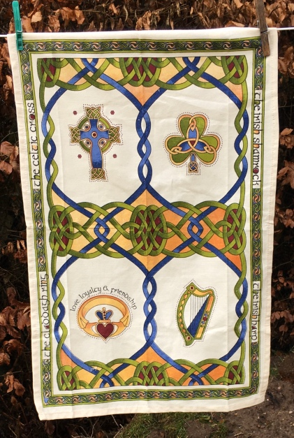 Irish Emblems: 2019. To read the story www.myteatowels.wordpress.com/2019/12/30/iri