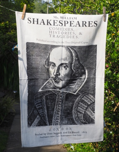 Shakespeare: 2006 To read the story www.myteatowels.wordpress.com/2015/07/08/sha