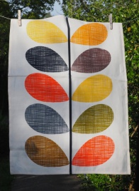 Orla Kiely's Multi-Stem Design: 2015. To read the story www.myteatowels.wordpress.com/2017/06/05/orl
