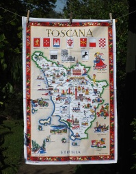 Toscana: 2016 (and back to 1992). To read the story www.myteatowels.wordpress.com/2016/09/15/tos
