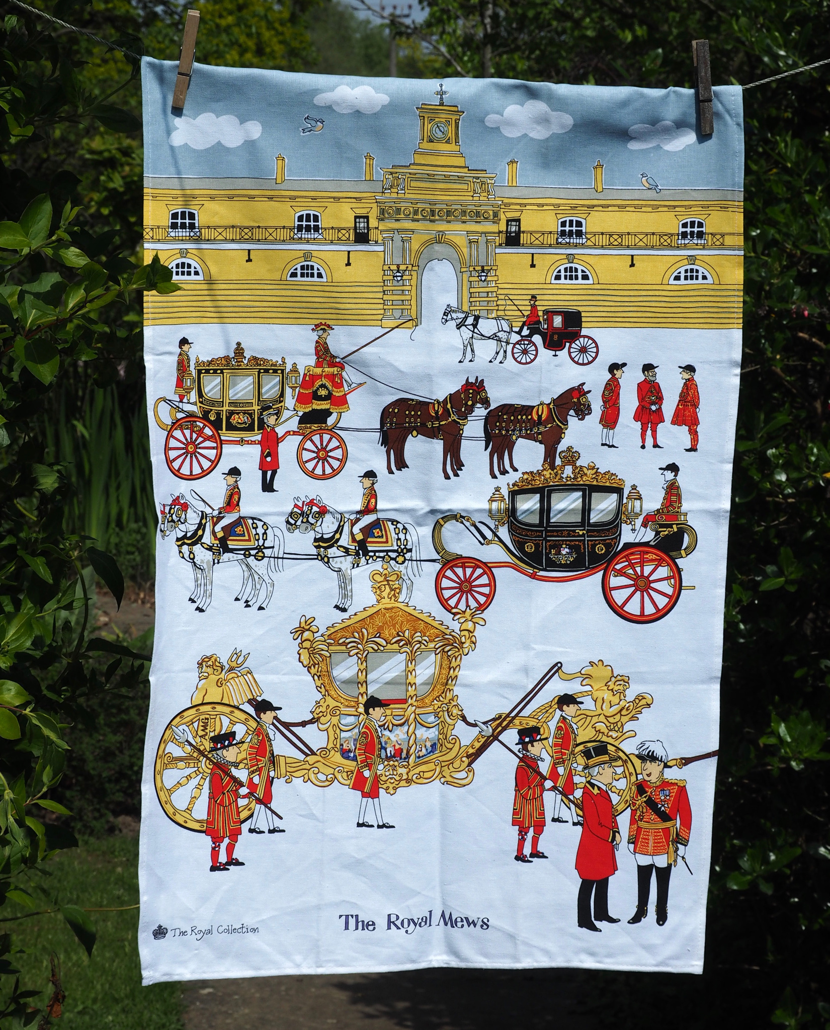 Mansilla Tunon Royal Collections Museum: Virtual Tea Towel Museum