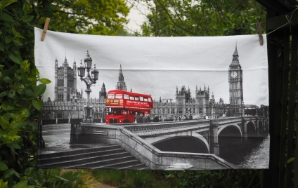 London Bridge and Westminster Bridge: 2007. To read the story www.myteatowels.wordpress.com/2015/09/21/lon