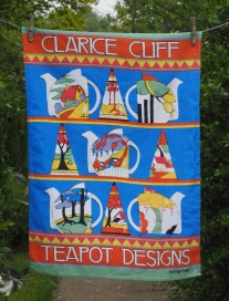 Clarice Cliff Teapots: 2015. To read the story www.myteatowels.wordpress.com/2019/11/28/cla