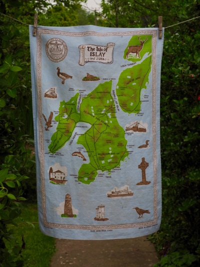 Islay: 1987. To read the story www.myteatowels.wordpress.com/2019/03/15/isl