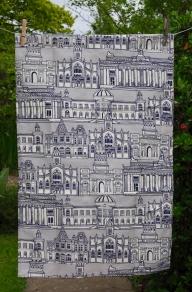 Edinburgh Streets: 2015. To read the story www.myteatowels.wordpress.com/2017/12/19/edi