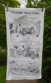 Classic Tractors: 1986. To read the story www.myteatowels.wordpress.com/2017/04/07/cla
