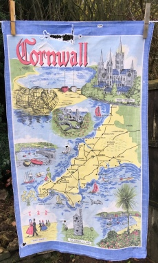 Cornwall: Acquired 2018 but vintage. To read the story www.myteatowels.wordpress.com/2018/12/19/cor